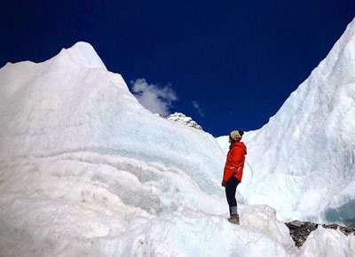KHUMBU GLACIER EVEREST